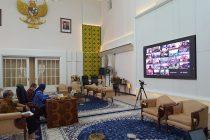 Ibu Sekda Provinsi Sumatera Utara Video Confrence dengan para Sekda Kabupaten/Kota se Sumatera Utara, pada tanggal 17 April 2020